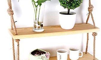 estante de madera con soga para plantas y macetas