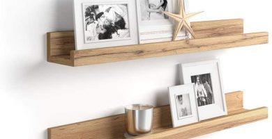 estanteria de roble para fotos y cuadros