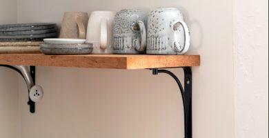 balda de madera con hierro